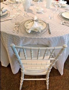 447a4deed32c White Chivari chairs are simple but classy Chiavari Chairs