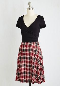 Botanical Breakfast Dress in Plaid   Mod Retro Vintage Dresses   ModCloth.com