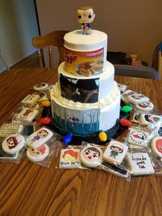 I want that second layer stranger things in 2019 торт Stranger Things Mom, Stranger Things Halloween, Bobby Brown Stranger Things, Stranger Things Aesthetic, Stranger Things Netflix, 12th Birthday Cake, Themed Birthday Cakes, Birthday Parties, Comida De Halloween Ideas