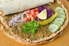 Easy Lahmacun (Laxam Bicajiin) Lahmacun Facile لحم بعجين | Xawaash.com
