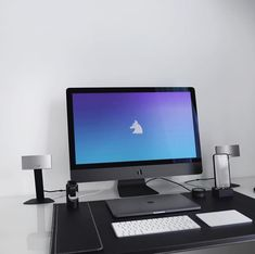 Todays featured home office desk setup is by @anckor