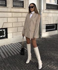 43 Office Outfits Highlight the Independent Side of Women - Page 29 of 43 - VimDecor - Work Outfits Women Urban Outfitters Outfit, Looks Chic, Looks Style, My Style, Mode Outfits, Office Outfits, High Fashion Outfits, Office Attire, Fashion Clothes