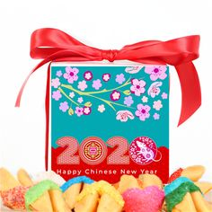 All fortune cookies are individually wrapped, and contain Chinese New Year Fortunes. Chinese New Year Cookies, Happy Chinese New Year, Cookie Box, Cookie Gifts, Custom Gift Boxes, Customized Gifts, Custom Fortune Cookies, Valentines Gift Box, Take Out Containers
