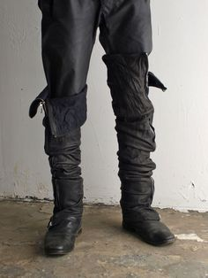 Because post apocalyptic men gotta have some boots.
