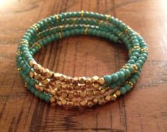 Red howlite bracelet Memory wire bracelet door AnukritiDesigns