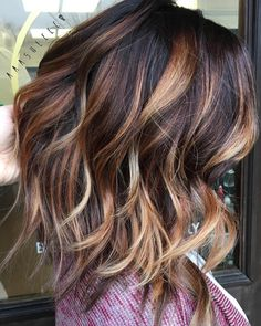 Dark brown with caramel and blonde balayage hair colors for fall, fall hair color 2017 Brunette Color, Ombre Hair Color, Hair Color Balayage, Blonde Balayage, Blonde Ombre, Red Blonde, Caramel Blonde, Purple Hair, Caramel Ombre