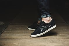 asics-mexico-delegation-schwarz-weiss-d639l-9090-mood-2.jpg (1801×1200)