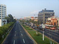 Boulevard de Los Héroes en San Salvador, El Salvador.