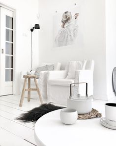 home decor quotes White Interior Design, Nordic Interior, Interior Styling, Home And Living, Interior Inspiration, Floating Shelves, Living Room Decor, Sweet Home, Black And White