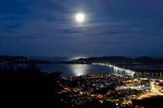 Florianópolis, SC, Brasil and the Super Moon / By http://www.flickr.com/photos/saulosss/
