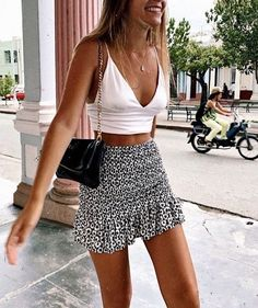 teenager outfits for school ; teenager outfits for school cute Teenager Outfits, Girly Outfits, Cute Casual Outfits, Stylish Outfits, Casual Dresses, Teen Dresses, Beach Outfits, Casual Chic, Preppy Outfits