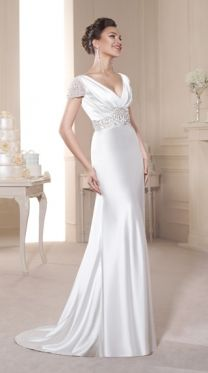 A beautiful bridal boutique based in Brentwood, Essex. Specialising in designer wedding dresses and a one-to-one expert, personal and friendly service. Stunning Wedding Dresses, Modest Wedding Dresses, Designer Wedding Dresses, Beautiful Gowns, Bridesmaid Dresses, Glamour, Bridal Gowns, Wedding Gowns, Art Amour