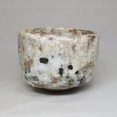 Japanese SHINO pottery tea bowl of good glaze appropriate work AGE : About 30 years ago.