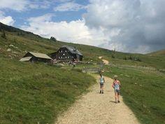 Wandelen met kinderen in Oostenrijk? Fieke laat 2 prachtige wandelingen zien bij de Milstatter See in Karinthie. Het zijn echte kindvriendelijke wandelingen