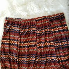 Geoprint Chevron Aline Skirt Plus Size 3x *Excellent condition *Size 3x *Two belt hoops the same pattern of dress, no belt included. *Aline cut skirt *Very light and comfortable *Beautiful Aztec Tribal George Print Chevron Paterno  **Condition score 9 of 10  *Please feel free to ask questions or make offers Metrowear Skirts Midi