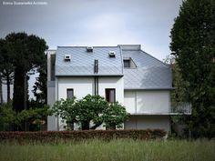Casa reformada con una mansarda, al norte de Italia