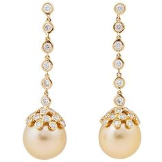 Pre-owned Golden South Sea Pearl Diamond Gold Drop Earrings ($3,665) ❤ liked on Polyvore featuring jewelry, earrings, drop earrings, chain earrings, bezel diamond earrings, art deco earrings, 18k yellow gold earrings and chain drop earrings