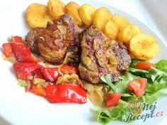 Pečená krkovička s opečenými brambůrky Tandoori Chicken, Pork, Menu, Food And Drink, Ethnic Recipes, Kitchen, Red Peppers, Kale Stir Fry, Menu Board Design