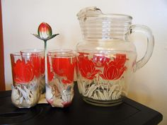 Hazel Atlas Tulip Pitcher with ice lip and 4 glasses in metal carrier