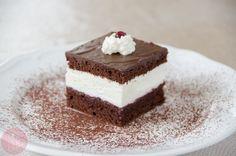 Cocoa cake with cream Chocolate Cream Cake, Cocoa Cake, Vanilla Cake, Tiramisu, Sweets, Baking, Ethnic Recipes, Food, Poland