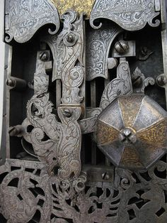 Ornate lock by iheartmuseums, via Flickr