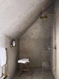 Home Interior Plants Tiny shower room. Ett Hem, Stockholm, designed by Ilse Crawford. Simple, neat little shower room Loft Bathroom, Wooden Bathroom, Bathroom Interior, Concrete Bathroom, Concrete Shower, Sloped Ceiling Bathroom, Small Attic Bathroom, Granite Bathroom, Brass Bathroom