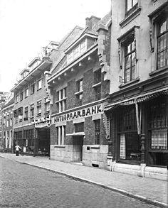 Catharinastraat 1930.Hotel de Schuur,toen nog een sjieke of chique tent
