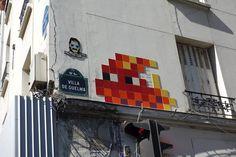 Sunday Street Art : Invader - Villa de Guelma - Paris 18 http://www.parisianshoegals.com/2015/10/sunday-street-art-invader-villa-de.html