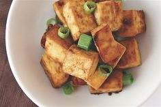 Easy Baked Tofu -- no strange or complicated ingredients! I always use extra firm, as it's the only texture of tofu I can eat while loving, softer is just weird to me, but I love this recipe! Healthy Cooking, Cooking Recipes, Healthy Eating, Vegetarian Recipes, Healthy Recipes, Healthy Foods, Alkaline Recipes, Vegetarian Dish, Fast Recipes