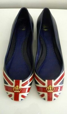 072b99efe119 Union Jack flats, perfect for a pregnant mama at her UK baby baby shower