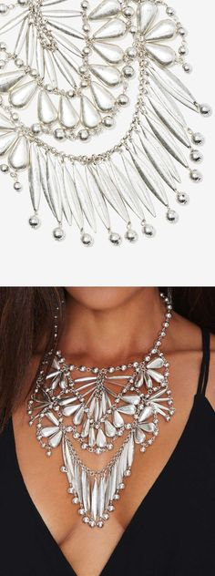 Janessa Collar Necklace// What a statement!//