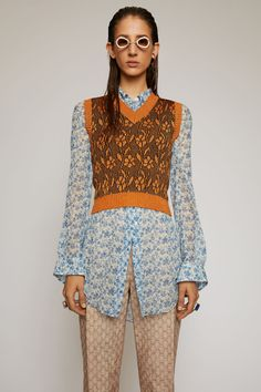 Flower-jacquard vest
