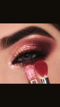 Smoke Eye Makeup, Pink Eye Makeup, Dramatic Eye Makeup, Eye Makeup Steps, Eye Makeup Art, Eyebrow Makeup, Eyeshadow Makeup, Eyeshadow Looks, Berry Makeup