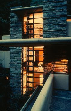 1000 images about fallingwater house frank lloyd wright. Black Bedroom Furniture Sets. Home Design Ideas