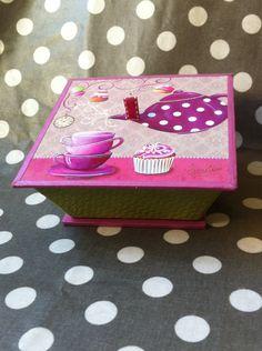 Kit de cartonnage facile boite gourmande avec une carte gouter gourmand : Cartonnage par catherine-martini