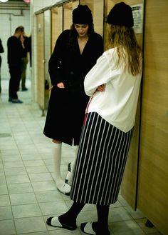 Best Womens Fashion Part 33 Fashion Week, Runway Fashion, Womens Fashion, Street Chic, Street Style, Jacquemus, Lookbook, What To Wear, Style Me