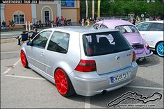 Silver VW Golf Mk4 R32 on red wheels at the Woerthersee To… | Flickr