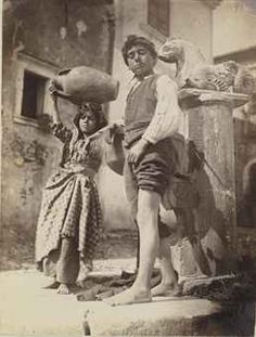 Italian Vintage Photographs ~ ~ Young Sicilians pose for the camera, their classical features evident Sicilia 1916 Vintage Pictures, Old Pictures, Old Photos, Sicilian Women, Italian People, Pose For The Camera, Vintage Italy, Famous Photographers, Portraits