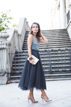 Tulle_Skirt-Twinset-Striped_Blazer-Outfit-Street_Style-Collage_Vintage-8