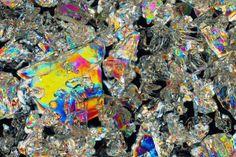 Photographer unveils the rainbow world of ice crystals.