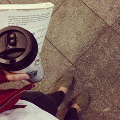 집앞 카페 문닫을때까지 밀린 책 읽었다 시원한 밤공기~