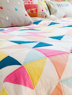 dobleufa: To sell or not to sell Little Houses, Bed Sheets, Bedding Sets, Duvet Covers, Family Room, Sweet Home, Quilts, Embroidery, Blanket