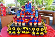Superhero Cupcake stand - MomCo