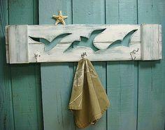 Seagull Hook Coat Rack Beach House Decor by CastawaysHall on Etsy Beach Cottage Style, Coastal Style, Beach House Decor, Coastal Decor, Seaside Decor, Arte Pallet, Pallet Art, Articles En Bois, Kirkland Home Decor