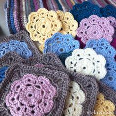 ektelykke crochet squares