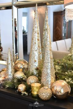 Silver and Gold Glam Christmas Centerpiece, Gold christmas, Elegant Christmas Decor, Rose Gold Christmas Decorations, Farmhouse Christmas Decor, Beautiful Christmas, Christmas Tree Decorations Gold, Christmas Vignette, Christmas Village Display, Metal Christmas Tree, Christmas Home