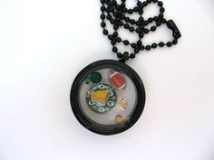 NFL Green Bay Packers Living Locket by SportsJewelryStudio on Etsy.  $23.50.  Order by Dec. 19 for Christmas delivery.  Free gift wrap.  5-star Etsy customer service rating.  Quick delivery!  www.etsy.com/shop/sportsjewelrystudio