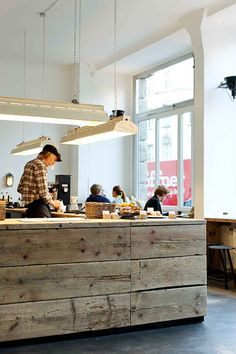 The Barn Roastery; Mitte, Berlin, i like the finish on the bar/ counter as well as the lights and the white/ light - ness of the space