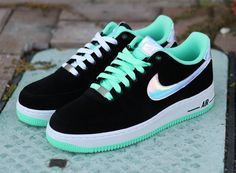 Nike Air Force 1 Low - Black - Shiny Silver - Green Glow
