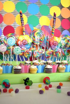 Brigitte K's Birthday / Candy, Candyland, Candy Land - Photo Gallery at Catch My Party Birthday Candy, Rainbow Birthday, 6th Birthday Parties, Birthday Ideas, Girl Parties, 3rd Birthday, Candy Theme Classroom, Candy Land Theme, Ideas Sorpresa